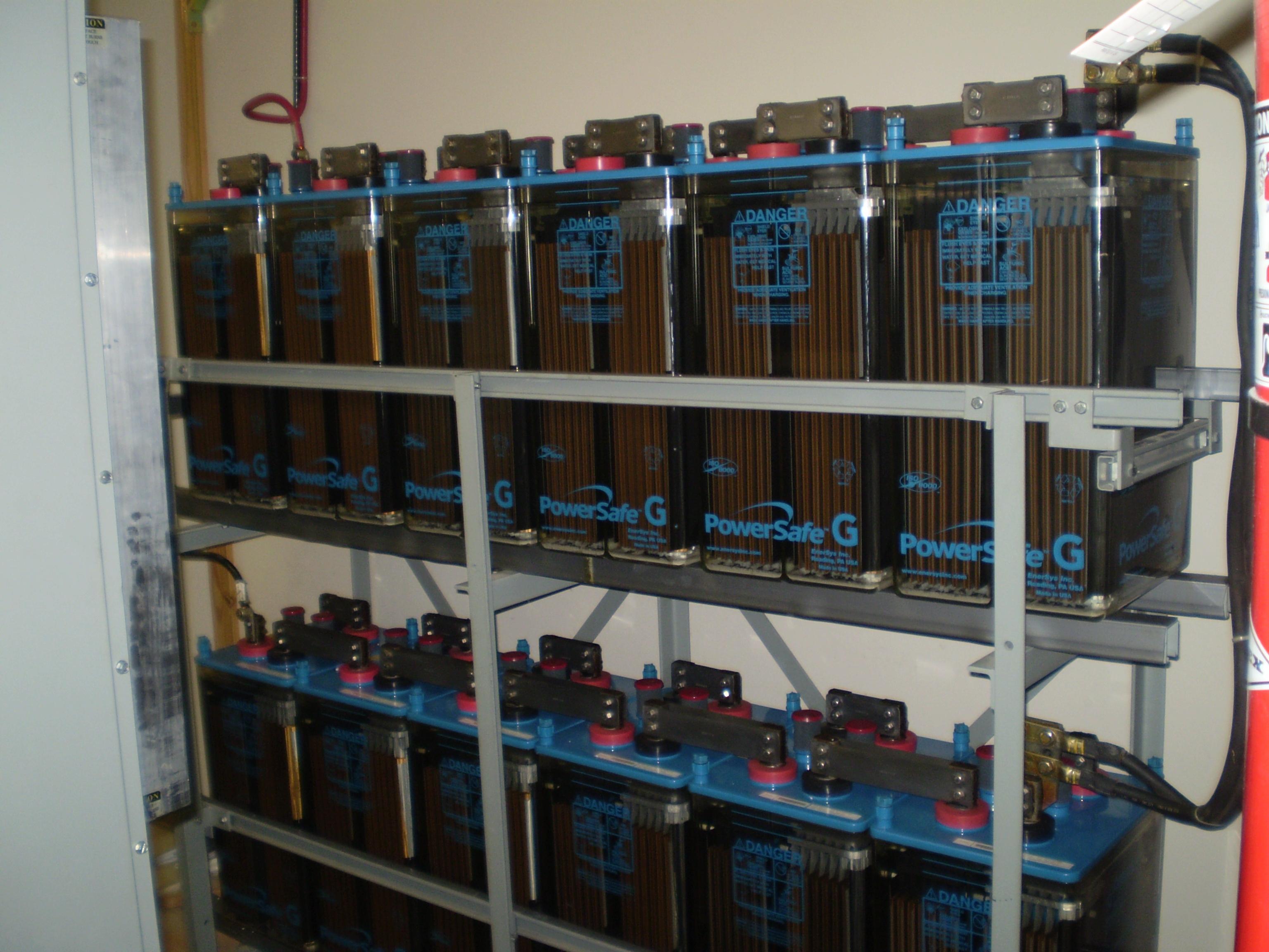2 Volt, 1220 Amp/hour batteries